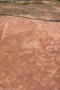 Pressure washing sidewalk cleaning
