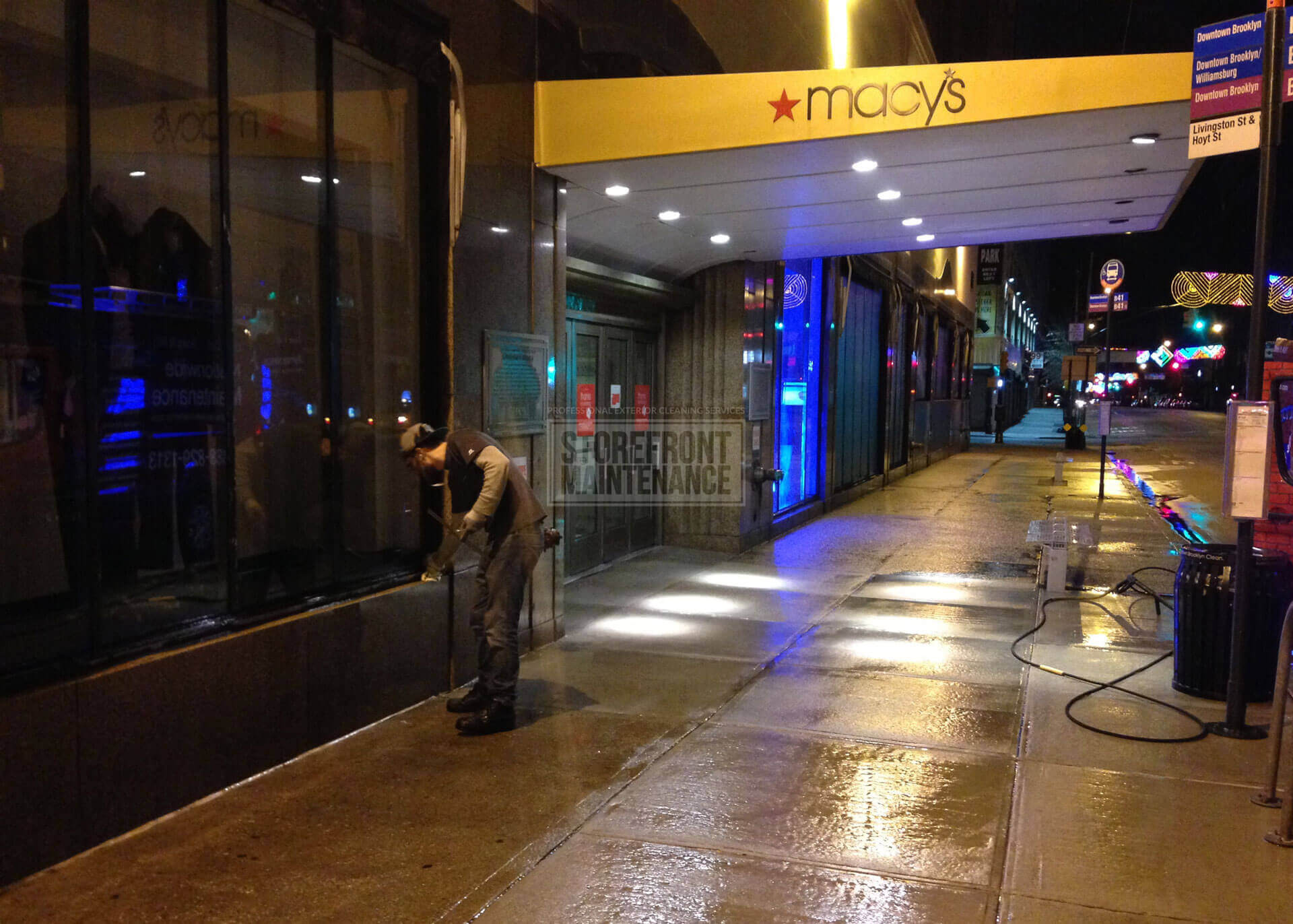 storefront-maintenance-macys-sidewalk-pressure-washing-building-cleaning